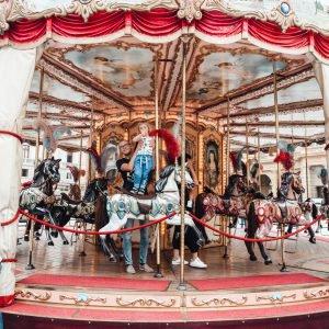 Jak zorganizować rodzinne wakacje w Toskanii?